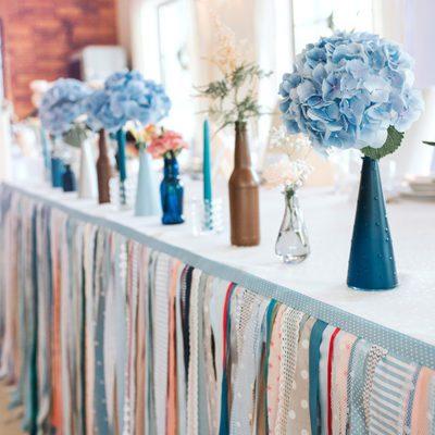 dekoracje weselne na stole Państwa Młodych