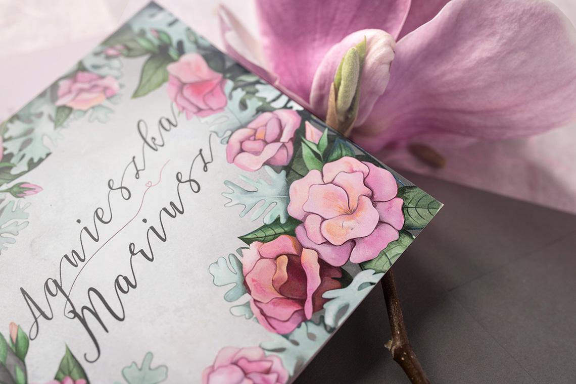 zaproszenie ślubne z różowymi eustomami i szarością