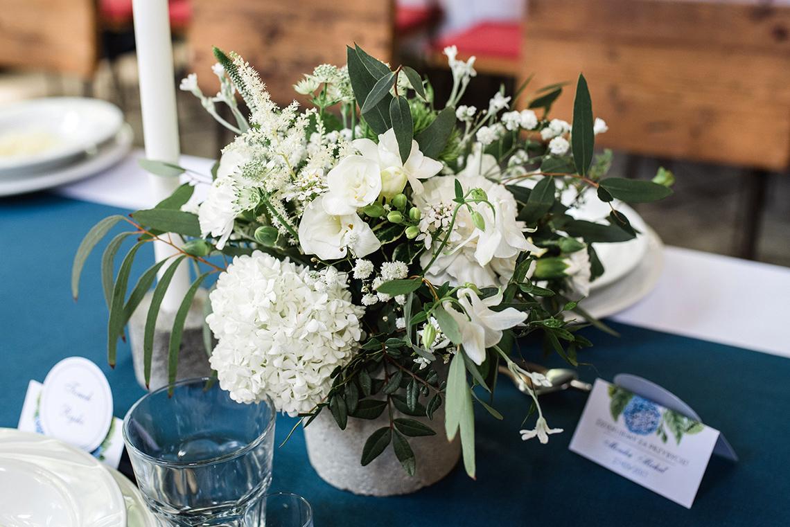 białe kwiaty na weselu na Śląsku