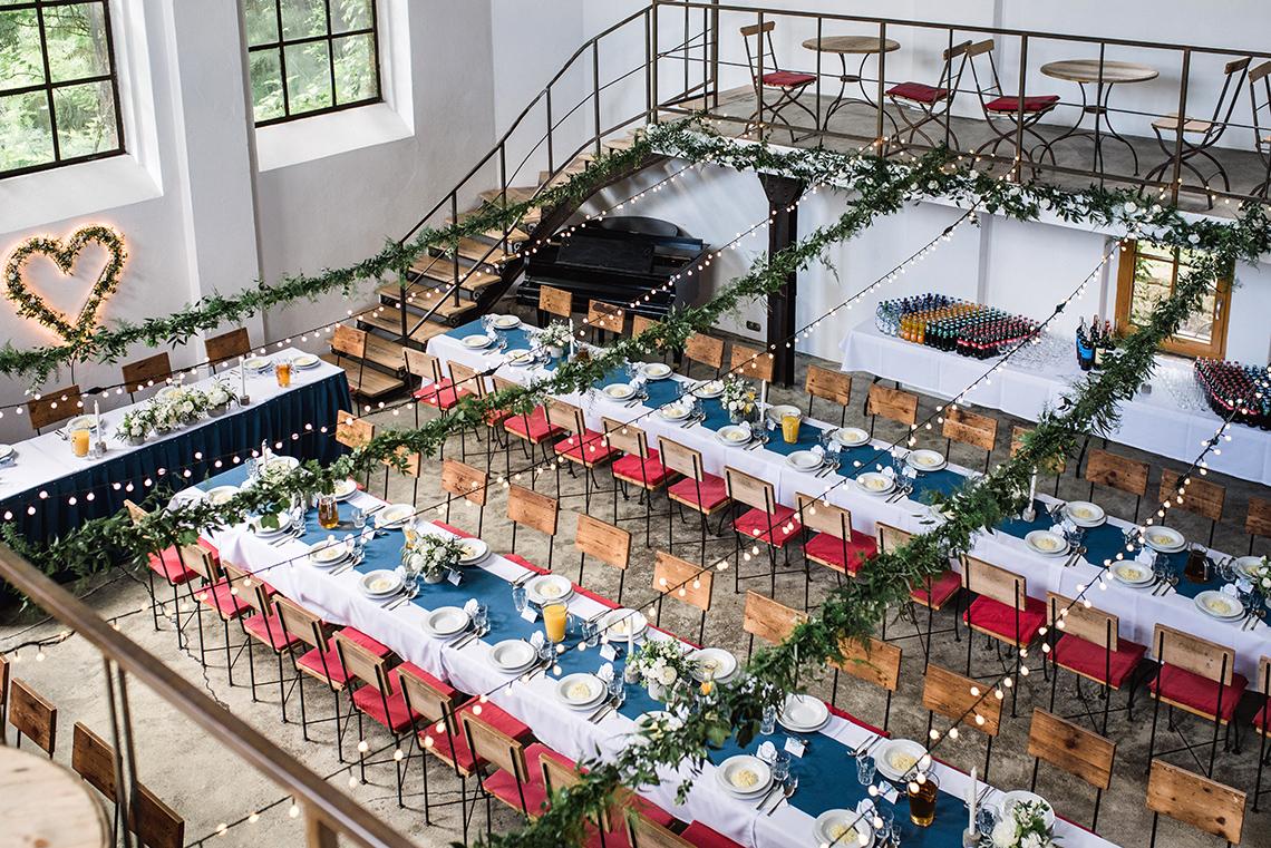 bieżniki na weselnych stołach