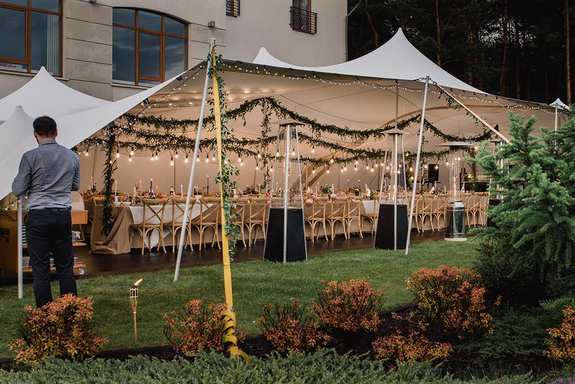 namiot z dekoracją boho