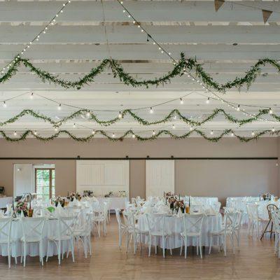 dekoracja wesela na sali w Zbrosławicach