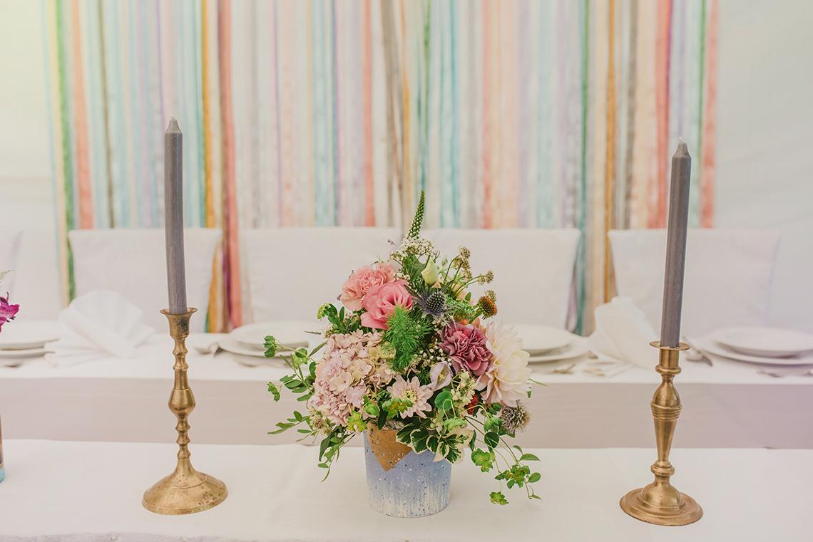 kwiaty na stole Pary Młodej