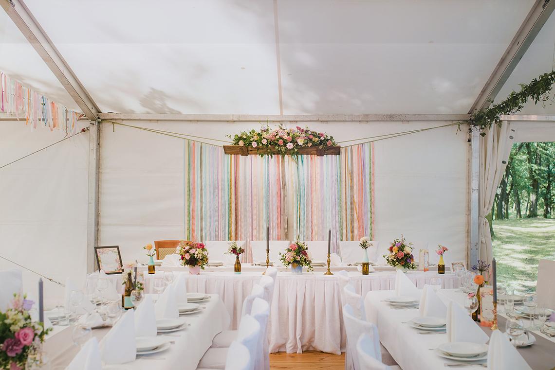 wstążki w dekoracji wesela