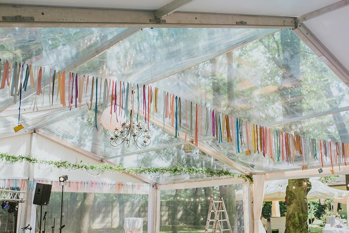 wesele plenerowe ze wstążkami