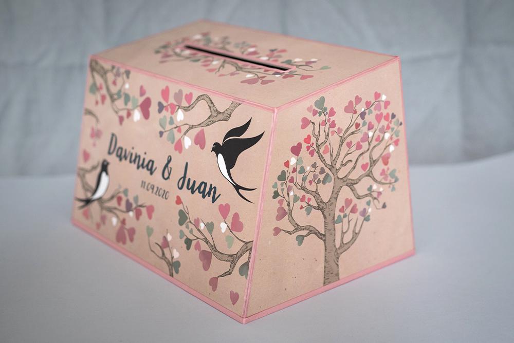 Pudełko na koperty - kadr z boku
